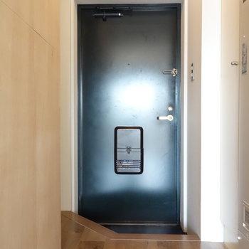 ここがお部屋の入り口・玄関です。