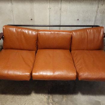 座り心地の良さそうなソファですね。