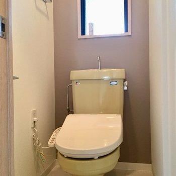 トイレは窓がついてます