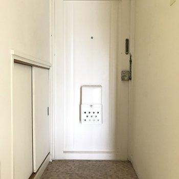 玄関もすっきりと。シューズボックスもついてます。