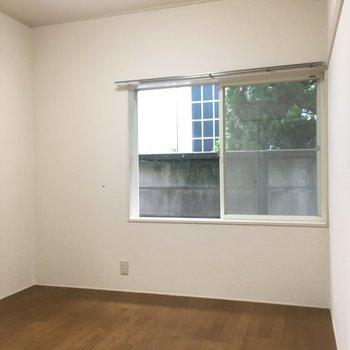 そして、4.5帖のお部屋も2面採光。