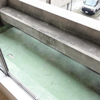 フラワーボックスです。外干しは屋上で。