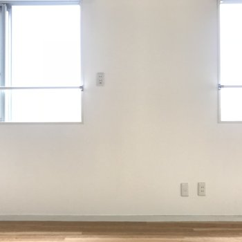 壁にも窓が2つ!日差しも良好。