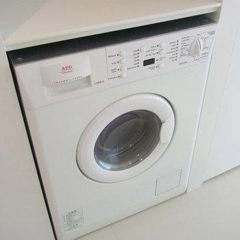 ドラム式洗濯機付き!※写真は6階の同間取り別部屋です。