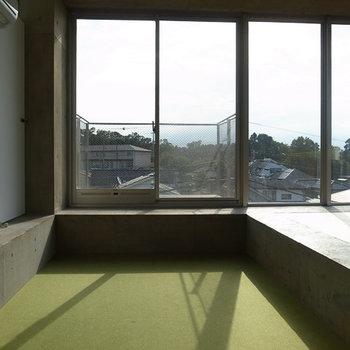 陽の光をたくさん取り込んで!※写真は4階別部屋似た間取り。
