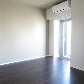 大人の雰囲気が出ています。※写真は11階の同間取りの別部屋です。