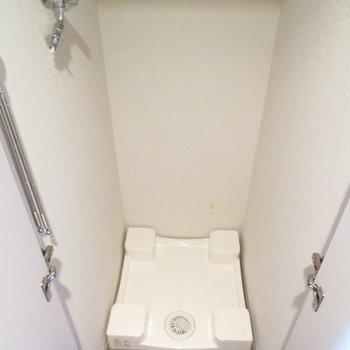 室内洗濯機置場が!※写真は11階の同間取りの別部屋です。