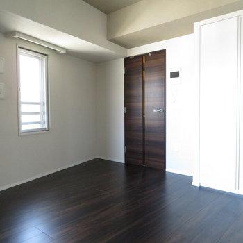 ささ見ていきましょうか!※写真は11階の同間取りの別部屋です。