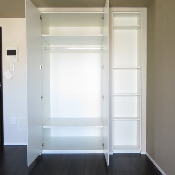 収納はまぁまぁですかね。仕切りがあるので使いやすそう!※写真は11階の同間取りの別部屋です。