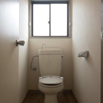 トイレもばっちりありますよ〜