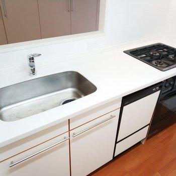 広ーい調理スペースで料理も楽しい!なんと自動食洗機付き◎