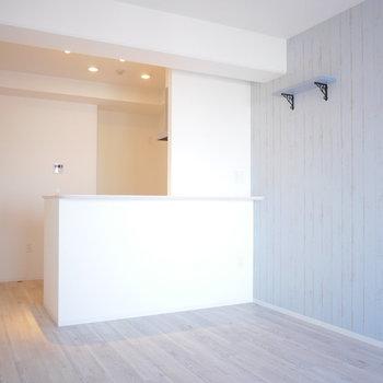 照明がお部屋の雰囲気をエレガントに(※写真は5階の同間取り角部屋のものです)
