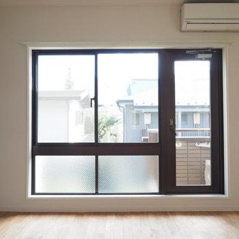 大きな窓も魅力です!明るい!