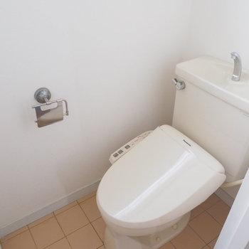 トイレにはウォシュレット付き◎※写真はクリーニング前です。