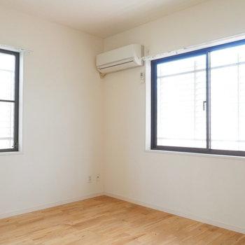 こちらは6.3帖のお部屋。寝室に良さそう。※写真はクリーニング前です。