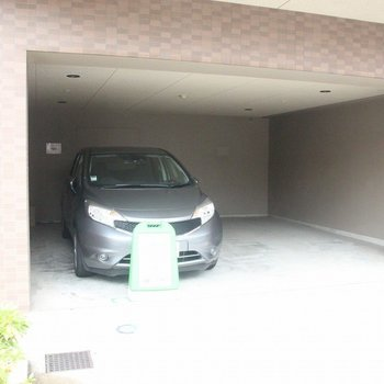 1階にはカーシェアも