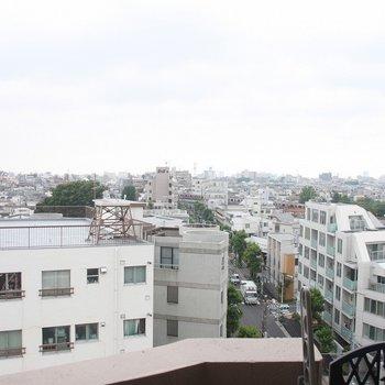 走り抜ける東横線を見渡すことも♪※写真は8階の同じ間取りの別部屋です