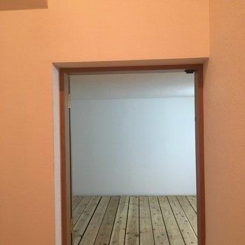 そして、この脱衣所スペースの横にあるのは地下収納です!