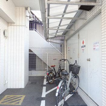 自転車を置くスペースもあります