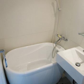 まんまるお風呂※写真は同間取り別部屋のものです。