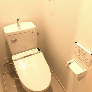 トイレにはウォシュレット付き◎