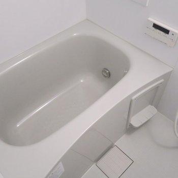 お風呂は清潔感があります!