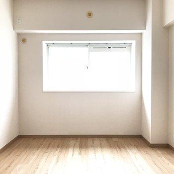 2階の洋室がこちら!日当たりも良好です◎