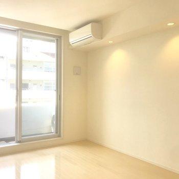 エアコン付いてます。※写真は10階の別部屋同間取りのものです。
