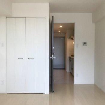 白基調の爽やか空間〜※写真は10階の別部屋同間取りのものです。