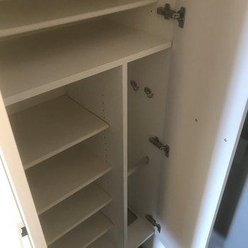 シューズボックス容量◎※写真は10階の別部屋同間取りのものです。