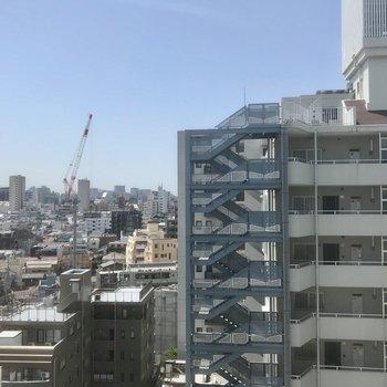 バルコニー眺望抜けてます!※写真は10階の別部屋同間取りのものです。