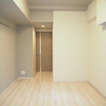 8帖のお部屋。※写真は1階の同じ間取りの別部屋です
