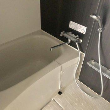 1人暮らしには充分なお風呂。