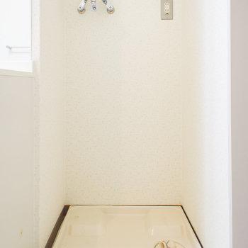 洗濯機置場ももちろんスマートな配置。※写真は2階の同間取り別部屋のものです。