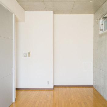 換気窓もあってお部屋の空気の入れ替えが可能です。※写真は2階の同間取り別部屋のものです。