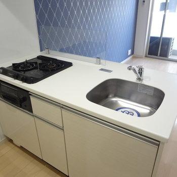 キッチンもきれい。※写真は10階の角部屋ではない同間取りの部屋ものです
