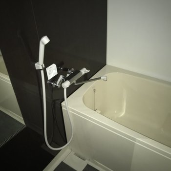 きれいな浴室です。一人で入るには十分な広さ◎※写真は別室です