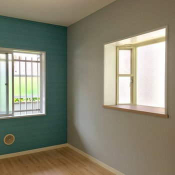 なんだか海風を感じられそうなお部屋。