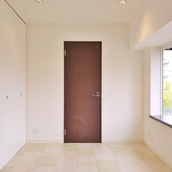 床もちょっぴりお洒落に。※写真は302号室のもの