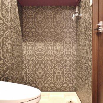 洗濯機はここに。上は物置。※写真は302号室のもの