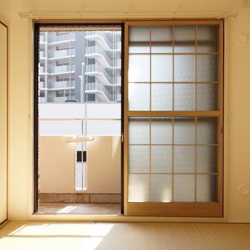 窓が2重冊子で和室仕様になってます!※写真は反転間取り別部屋のものです。