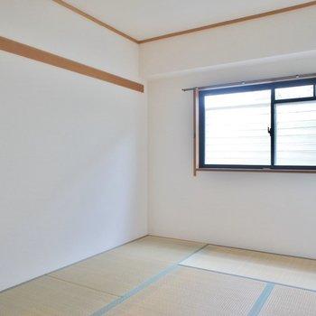 和室も小窓があって◎