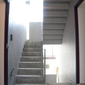 中央の階段!ここに風を集めます。