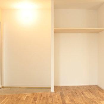 11帖の居室。無垢がさらさらで心地よい。※写真は2階の同じ間取りの別部屋です