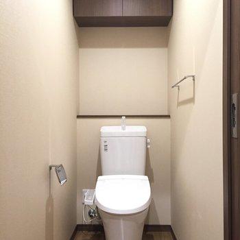 トイレは上の棚が嬉しい
