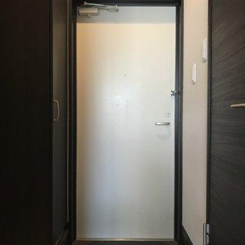 かっこいい玄関です!