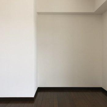このお部屋には収納がありません!(※写真はクリーニング前です)