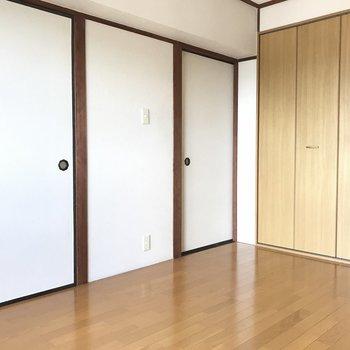 洋室側から見ると和室の名残を感じることができます!