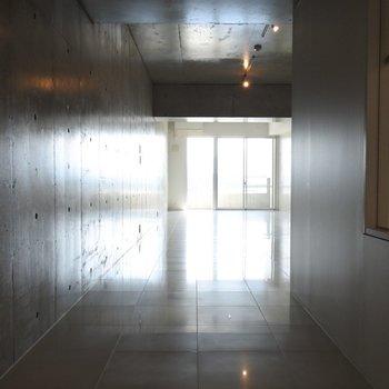 何度見てもかっこいい空間・・※写真は別室です