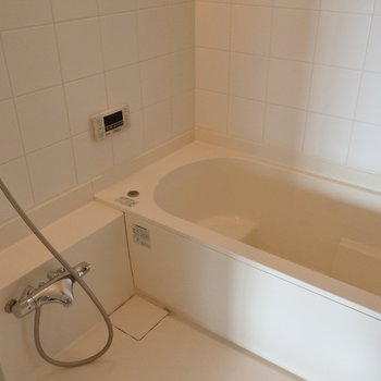 浴槽ゆったりー!※写真は別室です